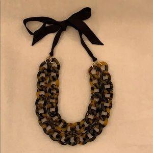 Banana Republic tortoise link necklace